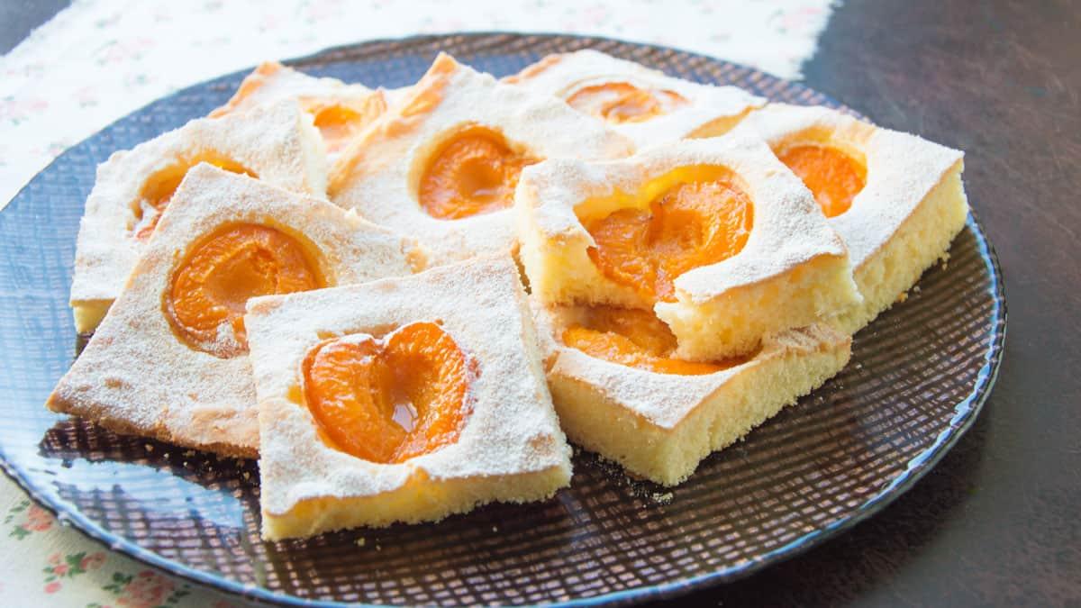 Fresh Yummy Apricot Bars