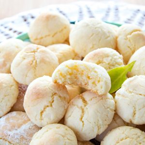 Soft Lemon Crinkle Cookies