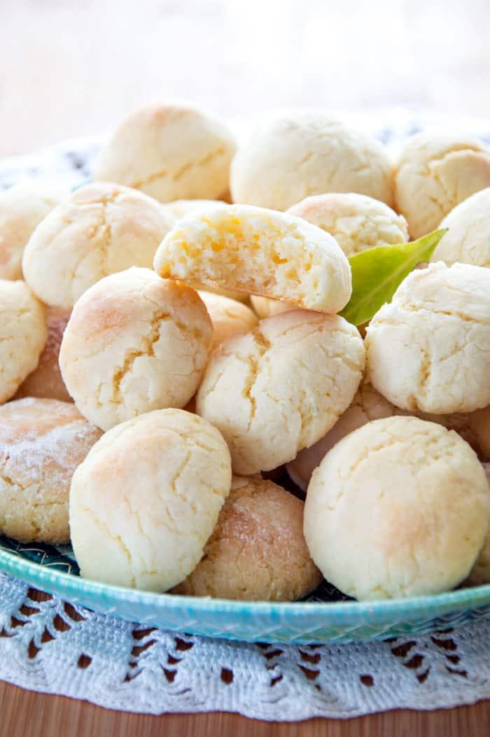 Soft Lemon Crinkle Cookies {Recipe}