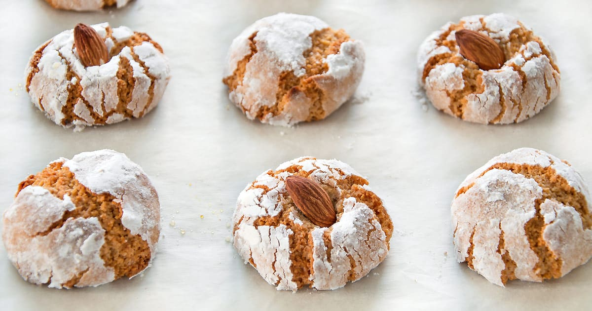 Amaretti - Italian Chewy Almond Cookies {Step-By-Step Recipe}