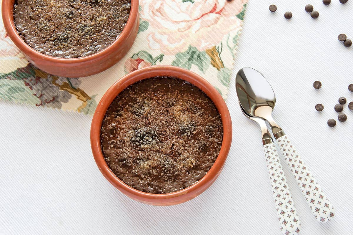Creamy & Delicious Chocolate Creme Brulee {Recipe}