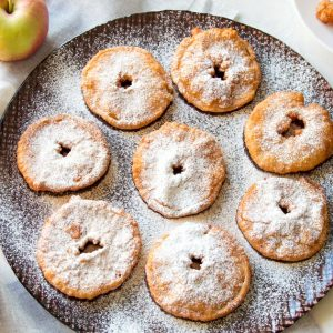Apple Fritters {Two Ways} -> Finger-licking-good!