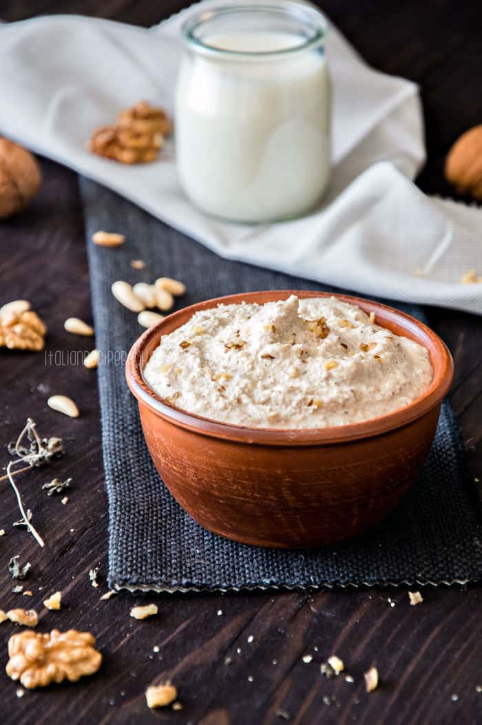 Walnut Sauce {Salsa Di Noci} - Ligurian Recipe
