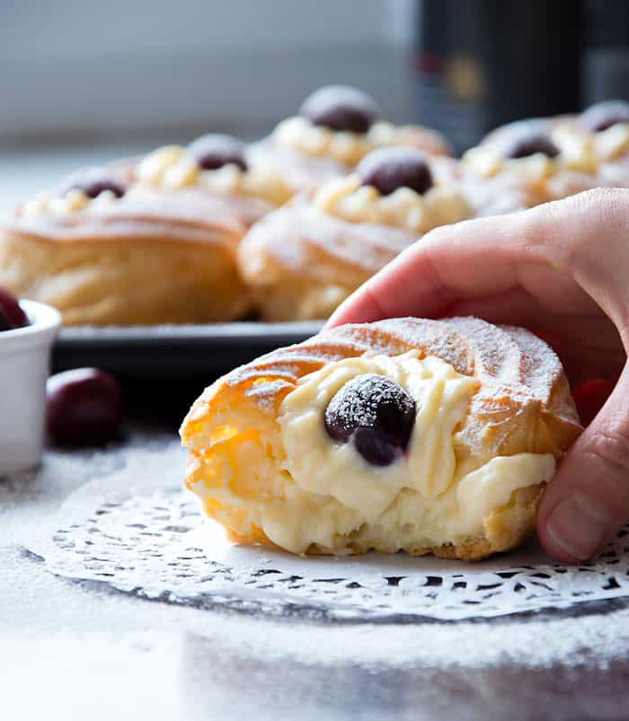 zeppole cut cream inside