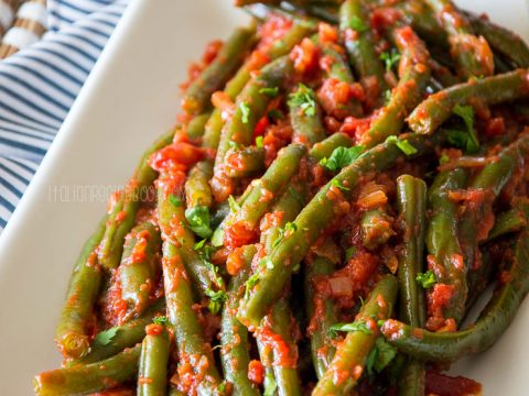Green Beans In Tomato Sauce {Italian Stewed Green Beans}